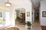 Foyer, natural lighting and elegance!