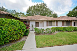 531 Club Drive, Palm Beach Gardens, FL 33418