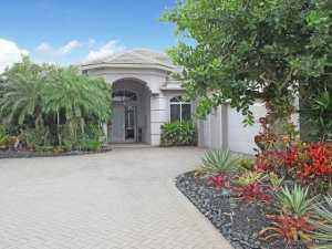 38 Bermuda Lake Drive, Palm Beach Gardens, FL 33418