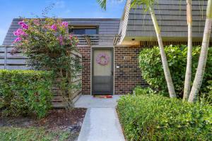 1120 11th Terrace, Palm Beach Gardens, FL 33418