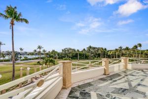 512 S Beach Rd Jupiter Island-large-014-