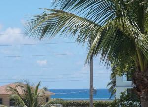 475 Ocean Ridge Way, Juno Beach, FL 33408