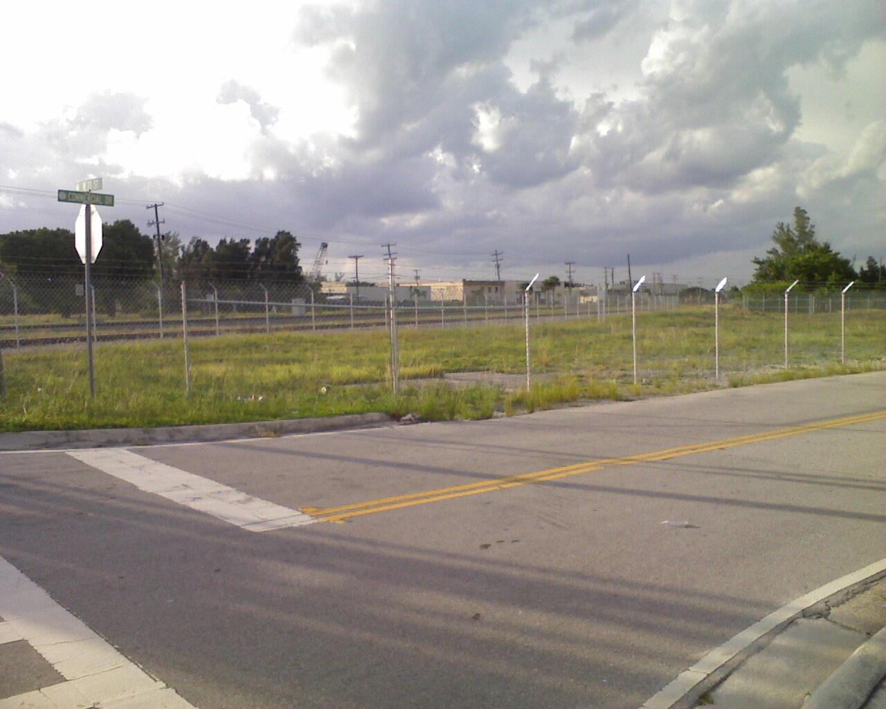 Riv Bch Fence 100509_001