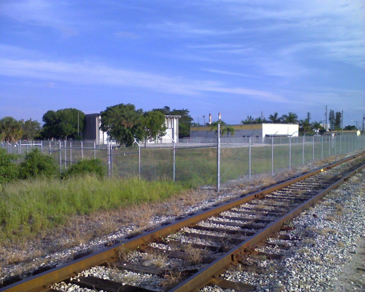 Riv Bch Fence 100509_003