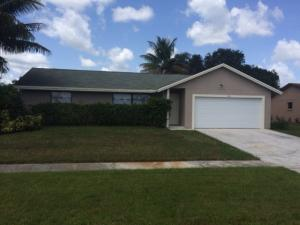 284 La Mancha Avenue, Royal Palm Beach, FL 33411