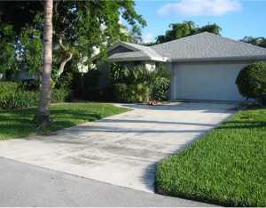 1221 NW 19th Terrace, Delray Beach, FL 33445