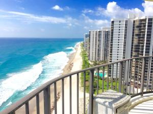 5420 Ocean Drive, Singer Island, FL 33404