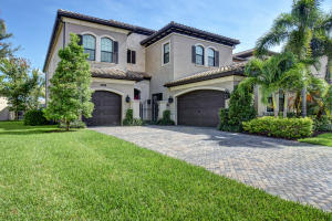 8701 Lewis River Road, Delray Beach, FL 33446