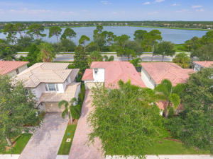 727 Duchess Court, Palm Beach Gardens, FL 33410