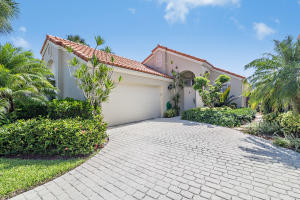 2632 La Lique Circle, Palm Beach Gardens, FL 33410
