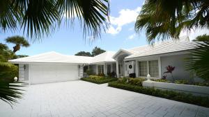10 Saint Giles Road, Palm Beach Gardens, FL 33418