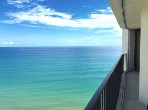5420 N Ocean Drive Unit: 1705, Singer Island, FL 33404