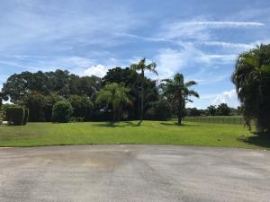 707 Foxpointe Circle, Delray Beach, FL 33445