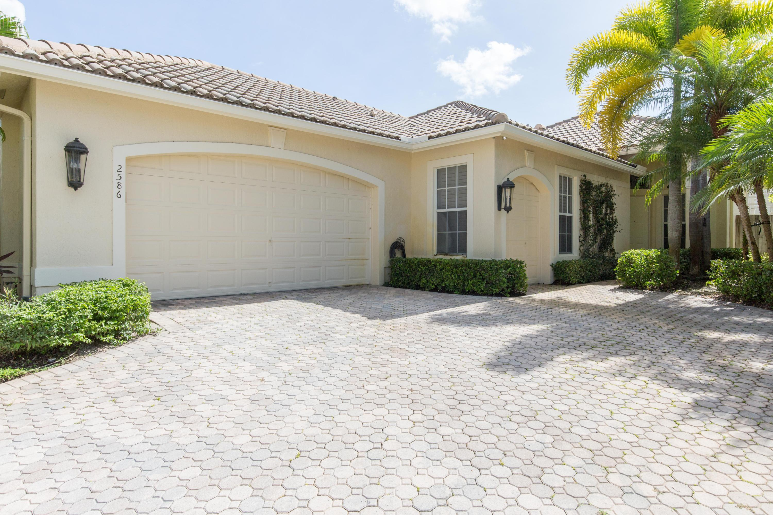 2586 Players Court, Wellington, FL 33414