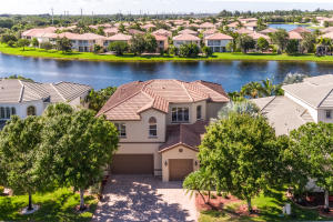 1267 Beacon Circle, Wellington, FL 33414
