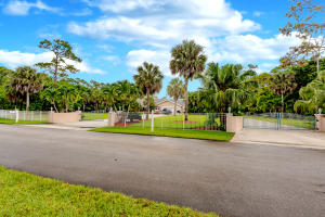 580 Pine Hollow Lane, West Palm Beach, FL 33413
