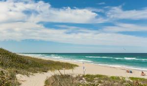507 Sea Oats Drive, Juno Beach, FL 33408