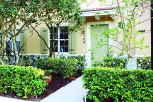 104 Osceola Lane, Jupiter, FL 33458
