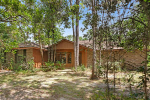 3BR 2BA Quality Home on Private 1.25 Acres