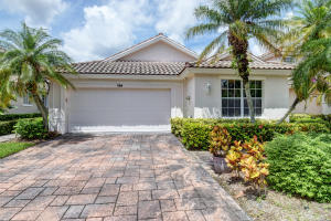724 Pinehurst Way, Palm Beach Gardens, FL 33418
