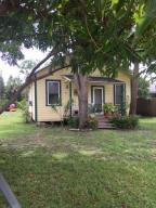 709 Pinegrove Avenue, Jupiter, FL 33458
