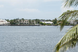 180 Yacht Club Way, Hypoluxo, FL 33462