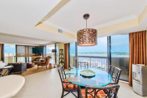 108 Lakeshore Drive, North Palm Beach, FL 33408