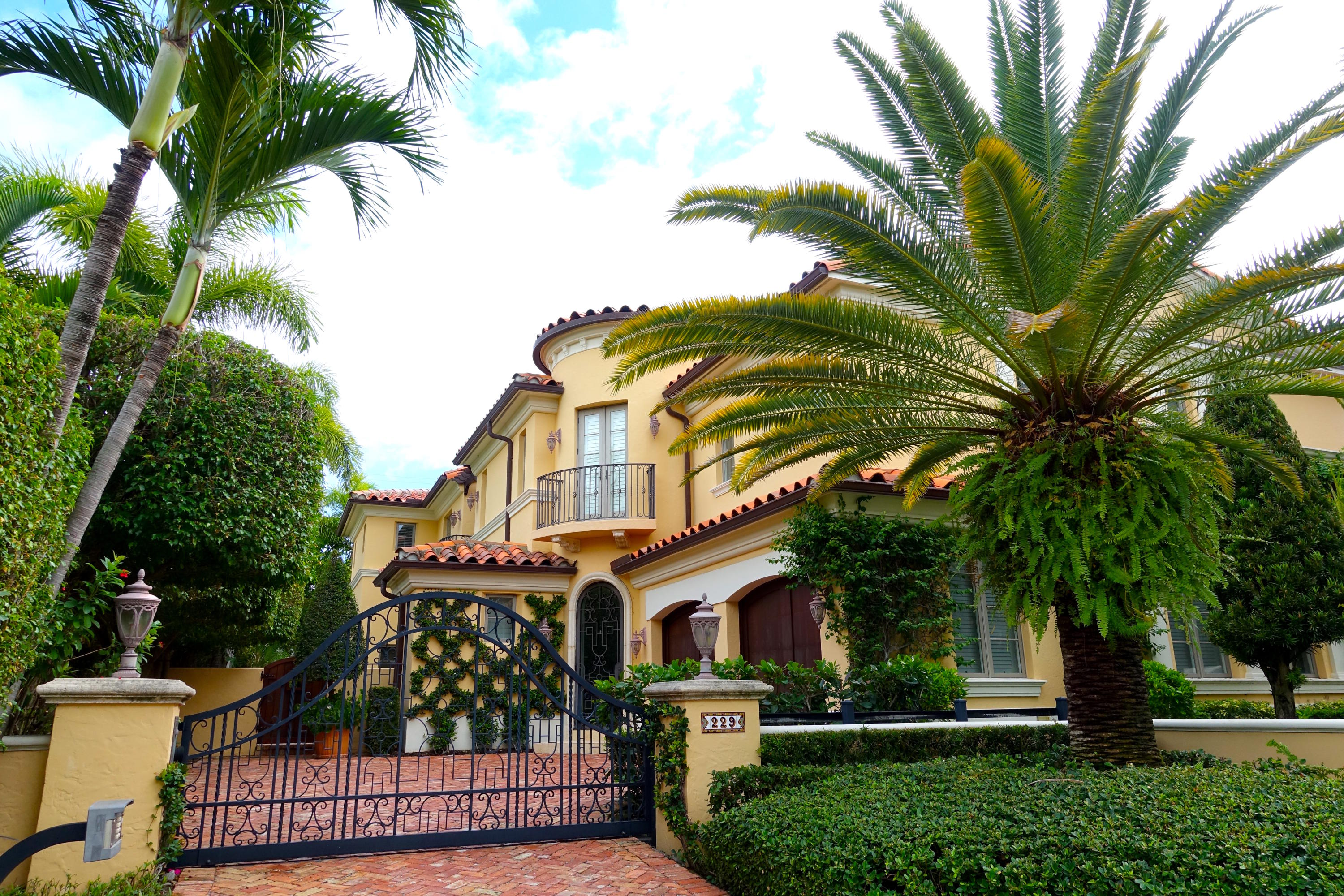 229 Chilean Avenue, Palm Beach, Florida 33480, 3 Bedrooms Bedrooms, ,5.3 BathroomsBathrooms,Townhouse,For Rent,Chilean,RX-10355889