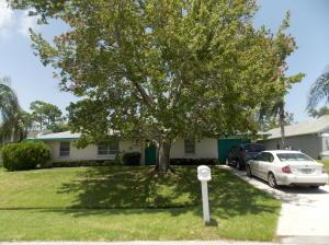 799 SE Celtic Avenue, Port Saint Lucie, FL 34983