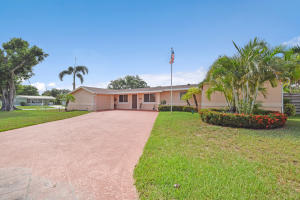 518 Iris Circle, Palm Beach Gardens, FL 33410