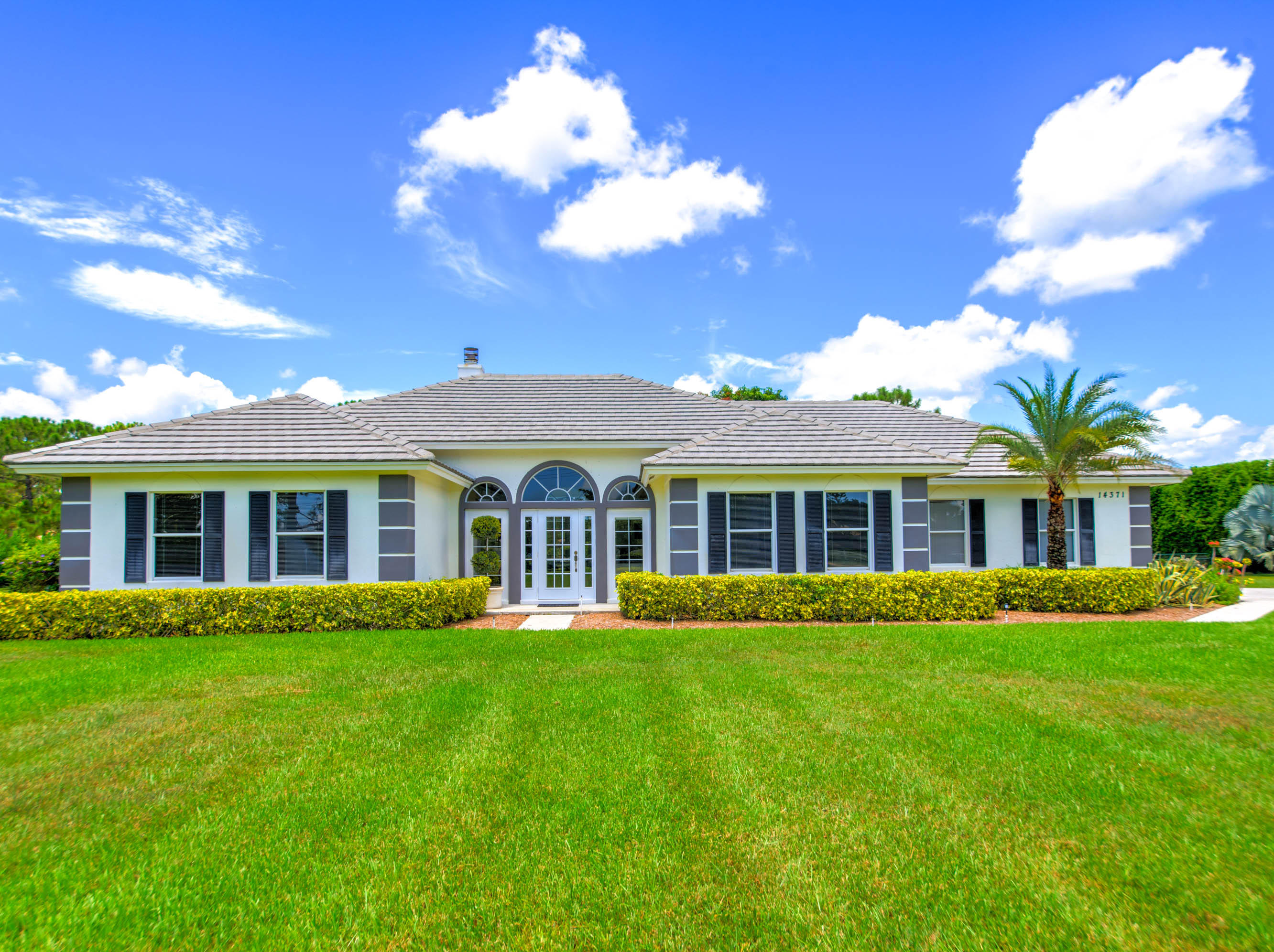 14371 Wellington Trace, Wellington, Florida 33414, 4 Bedrooms Bedrooms, ,2.1 BathroomsBathrooms,Single Family,For Sale,Wellington,RX-10284426