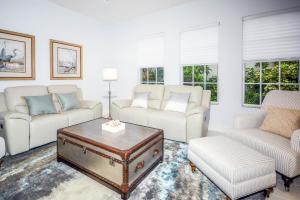 921 Augusta Pointe Drive, Palm Beach Gardens, FL 33418