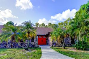 14101 Wind Flower Drive, Palm Beach Gardens, FL 33418