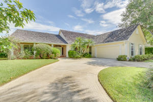 18720 SE River Ridge Road, Tequesta, FL 33469