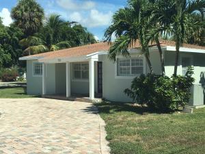 203 N Seacrest Circle, Delray Beach, FL 33444