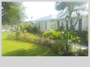2082 SE Erwin Road, Port Saint Lucie, FL 34952