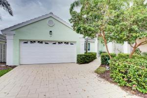 12 Commodore Place, Palm Beach Gardens, FL 33418