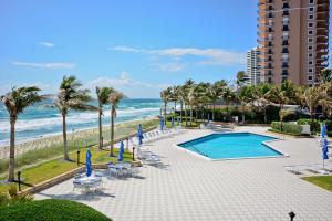 5200 Ocean Drive, Singer Island, FL 33404