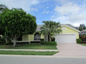 297 Moccasin Trail W, Jupiter, FL 33458