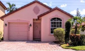 1077 Via Jardin, Riviera Beach, FL 33418