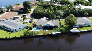 136 SW Cabana Point Circle, Stuart, FL 34994