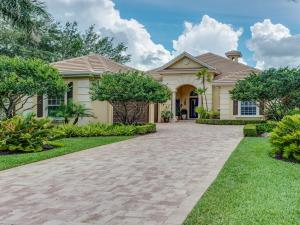 9804 Sandpine Lane, Hobe Sound, FL 33455