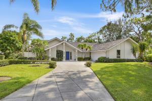 4 Alford Court, Palm Beach Gardens, FL 33418