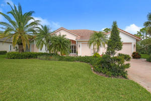 5201 Lost Lake Way, Hobe Sound, FL 33455