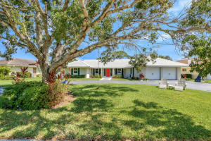 Tequesta Country Club Pool Home For Sale In Jupiter Area