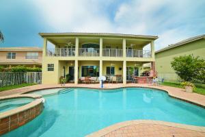 15614 Messina Isle Court, Delray Beach, FL 33446