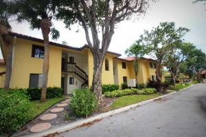 25 Pelican Pointe Drive, 103, Delray Beach, FL 33483