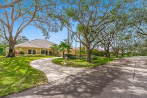 18228 Heritage Drive, Tequesta, FL 33469
