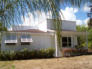 8936 SE Mars Street, Hobe Sound, FL 33455