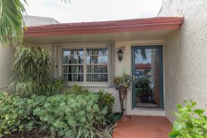156 Lake Anne Drive, West Palm Beach, FL 33411